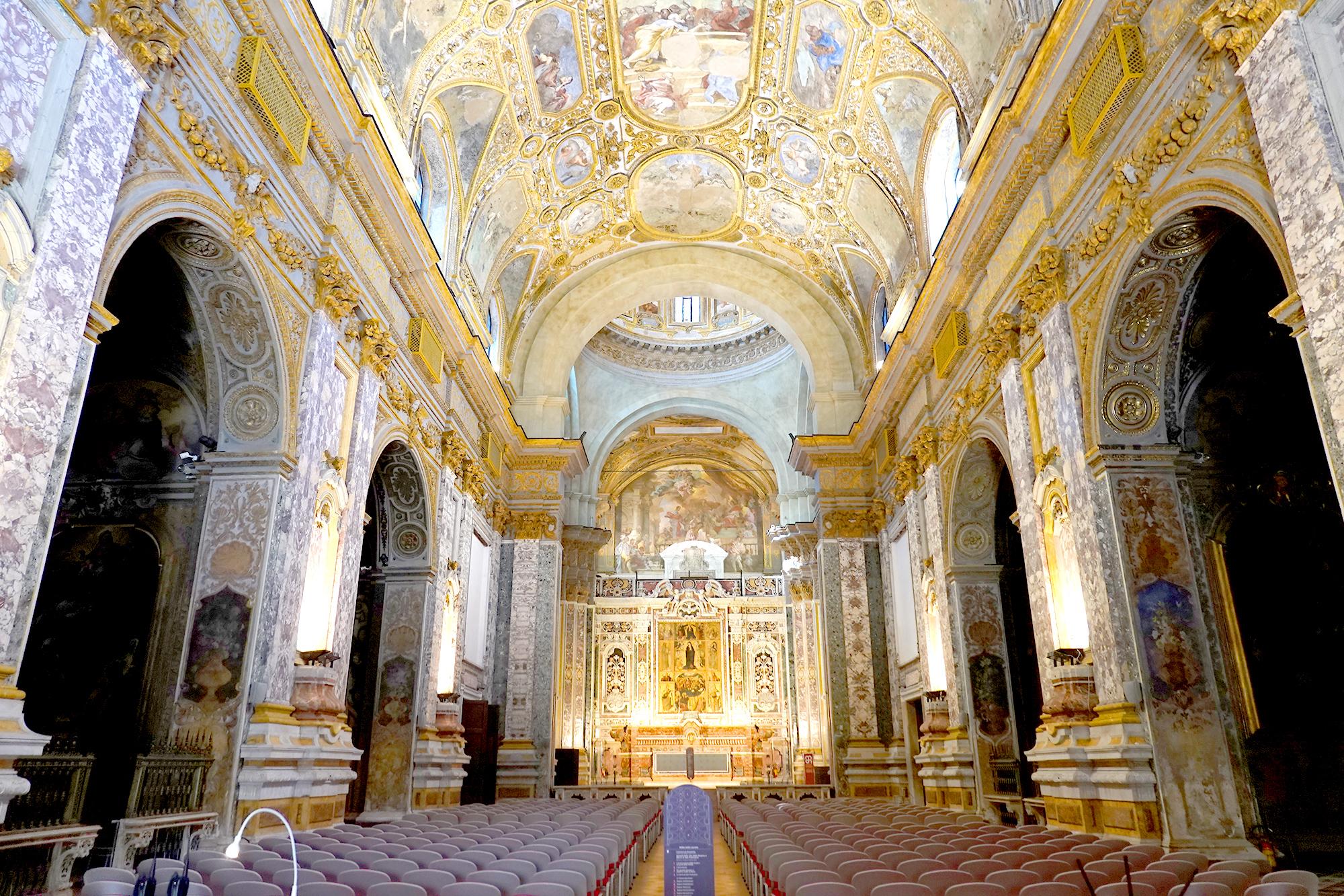 サンタ・マリア・ドンナレジーナ・ヌォーヴァ教会