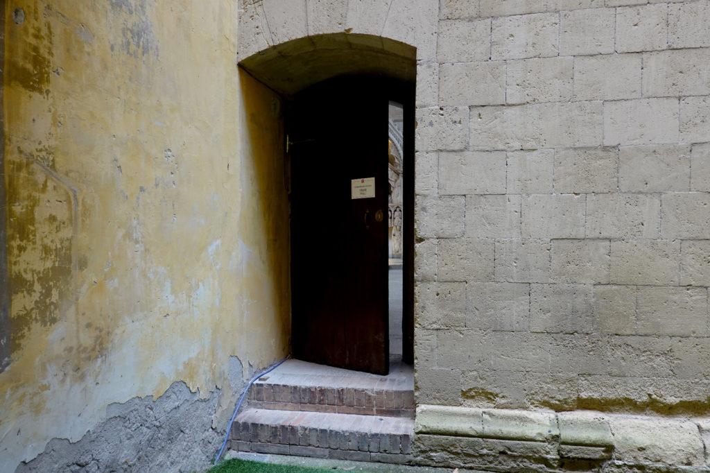 ヴェッキア教会への入口