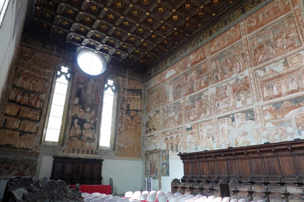 ドンナレジーナ・ヴェッキア教会、2階のフレスコ画